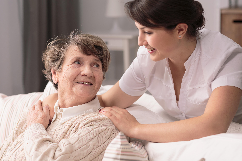 Les personnes âgées sont moins distraites par des informations négatives et globalement « se font moins de souci ».