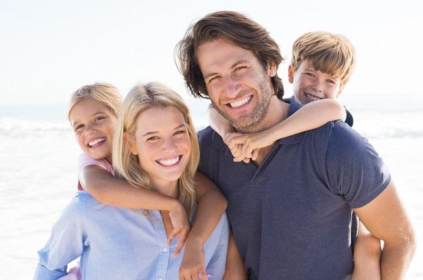 Cette constatation que les femmes favorisent les filles et les hommes privilégient leurs fils et cela quel que soit le statut socio-économique du foyer pourrait contribuer à expliquer l'inégalité croissante des revenus et de la mobilité sociale selon les sexes.