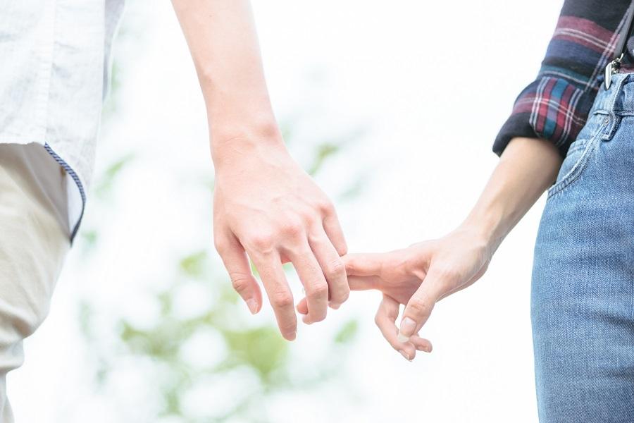 Les hommes qui divorcent et les femmes qui forment un couple avec un nouveau partenaire réduisent leur nombre de pas quotidien ou plus largement leur activité physique