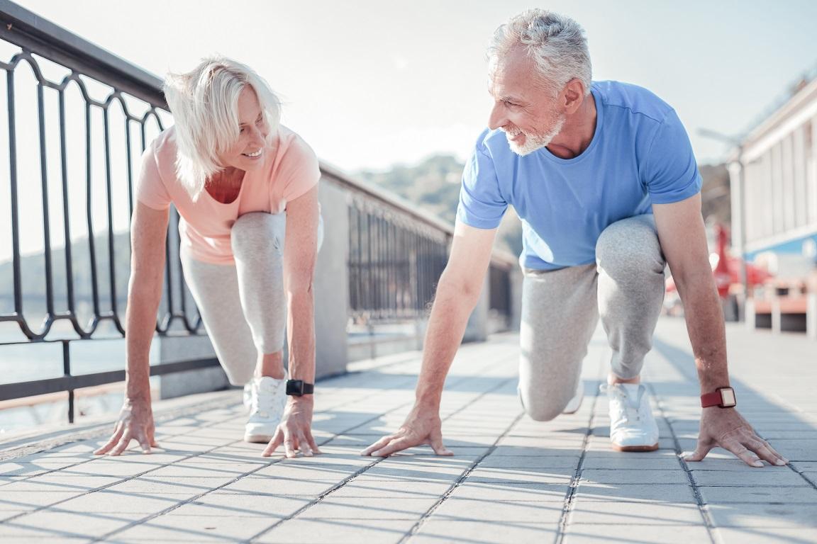 Rester en forme ou améliorer sa forme physique au fil de l'âge doit donc rester un objectif pour réduire son risque de démence.