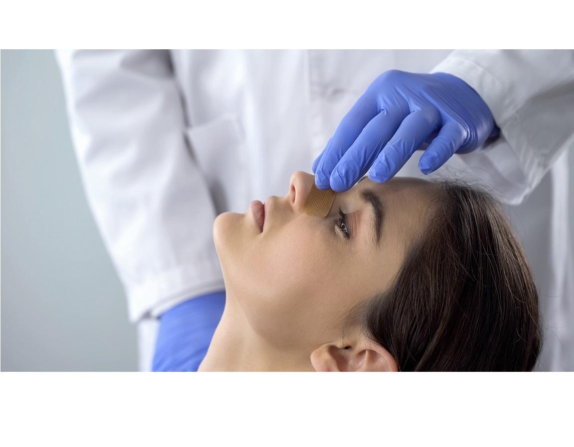 Cosmétique ou fonctionnelle, la rhinoplastie chirurgicale poursuit un même objectif, restaurer la qualité de vie du patient