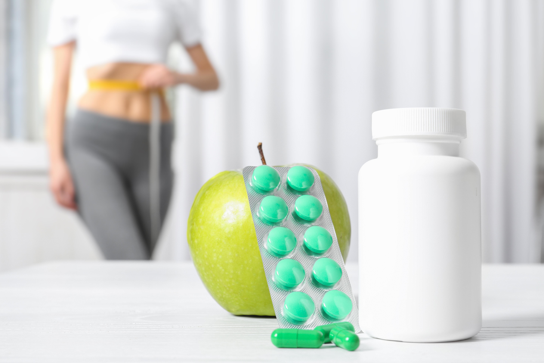 Perdre du poids et maintenir ensuite un poids de santé à long terme, c'est possible, mais il faut ou « il suffit » de suivre pas à pas tout un protocole (Visuel Adobe Stock 239920940)