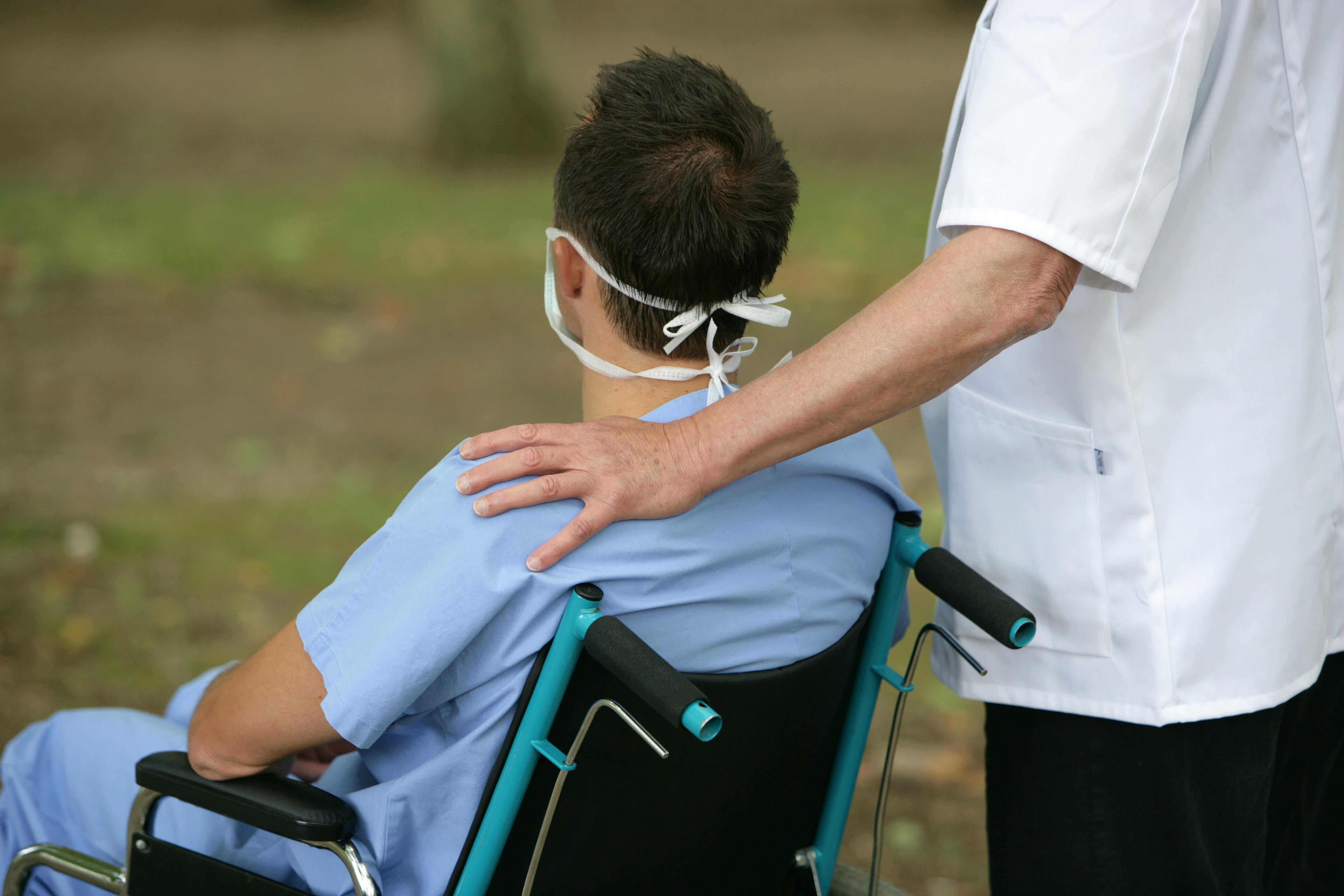 Le « COVID long » n'est pas une exception ; en effet la plupart des patients hospitalisés éprouvent toujours au moins un symptôme 6 mois après le début de la maladie (Visuel Adobe Stock 27647398).