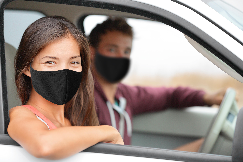 Il s'agit de la première étude qui examine précisément le microclimat à l'intérieur d'une voiture, les flux d'air intérieur et comment ces flux d'air peuvent affecter le risque de transmission du COVID-19 (Visuel Adobe Stock 393014249)
