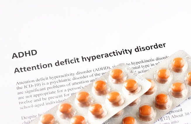5 à 10 % des enfants et des adolescents dans le monde souffrent de trouble du déficit de l'attention avec hyperactivité (TDAH) et environ 70% de ces patients reçoivent un traitement à base de méthylphénidate
