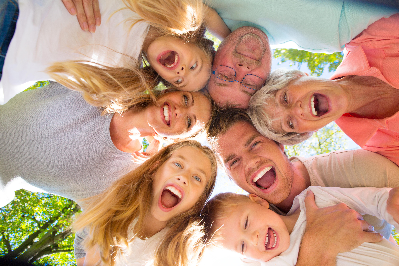 Avoir des enfants et les regarder grandir peut parfois renforcer l'impression de vieillir (Visuel Adobe Stock 72222980)