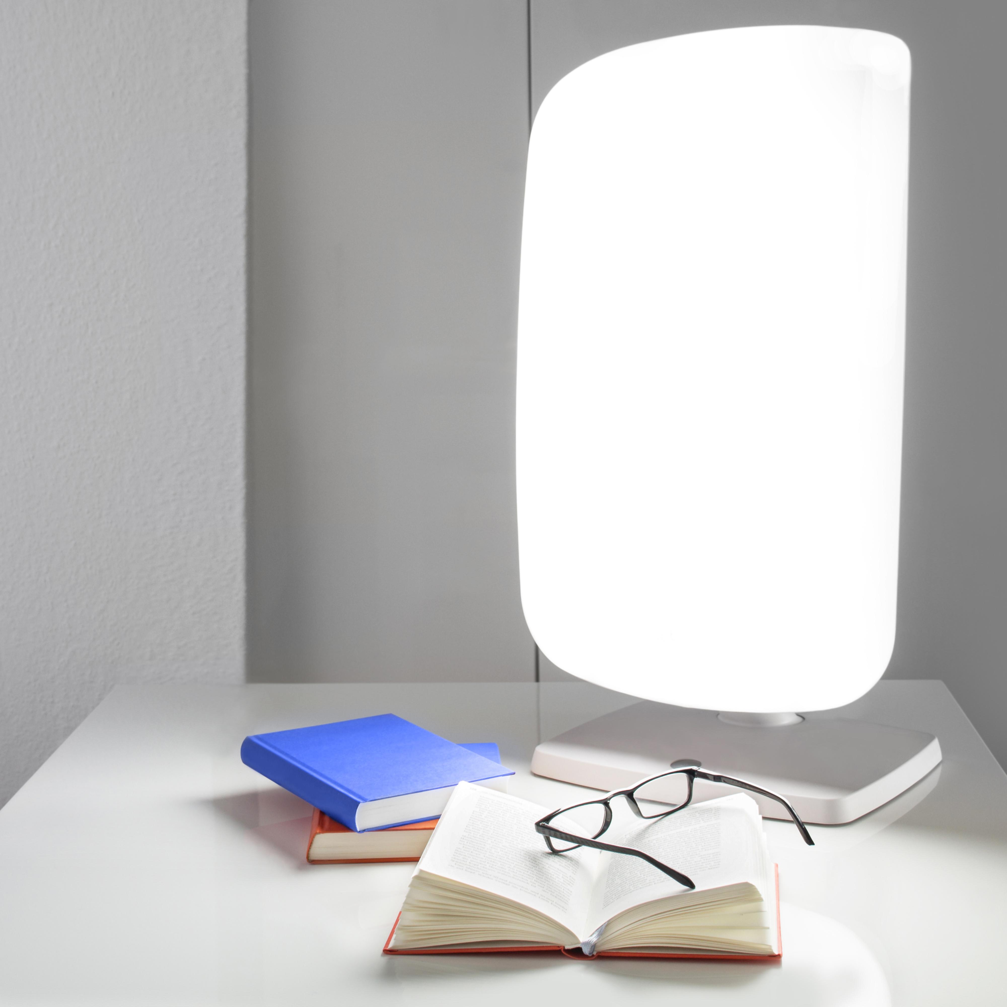 La luminothérapie peut réinitialiser les rythmes circadiens perturbés chez les patients souffrant de troubles du sommeil et de maladies neurodégénératives et atténuer ainsi leurs symptômes (Visuel Adobe Stock 75303145)