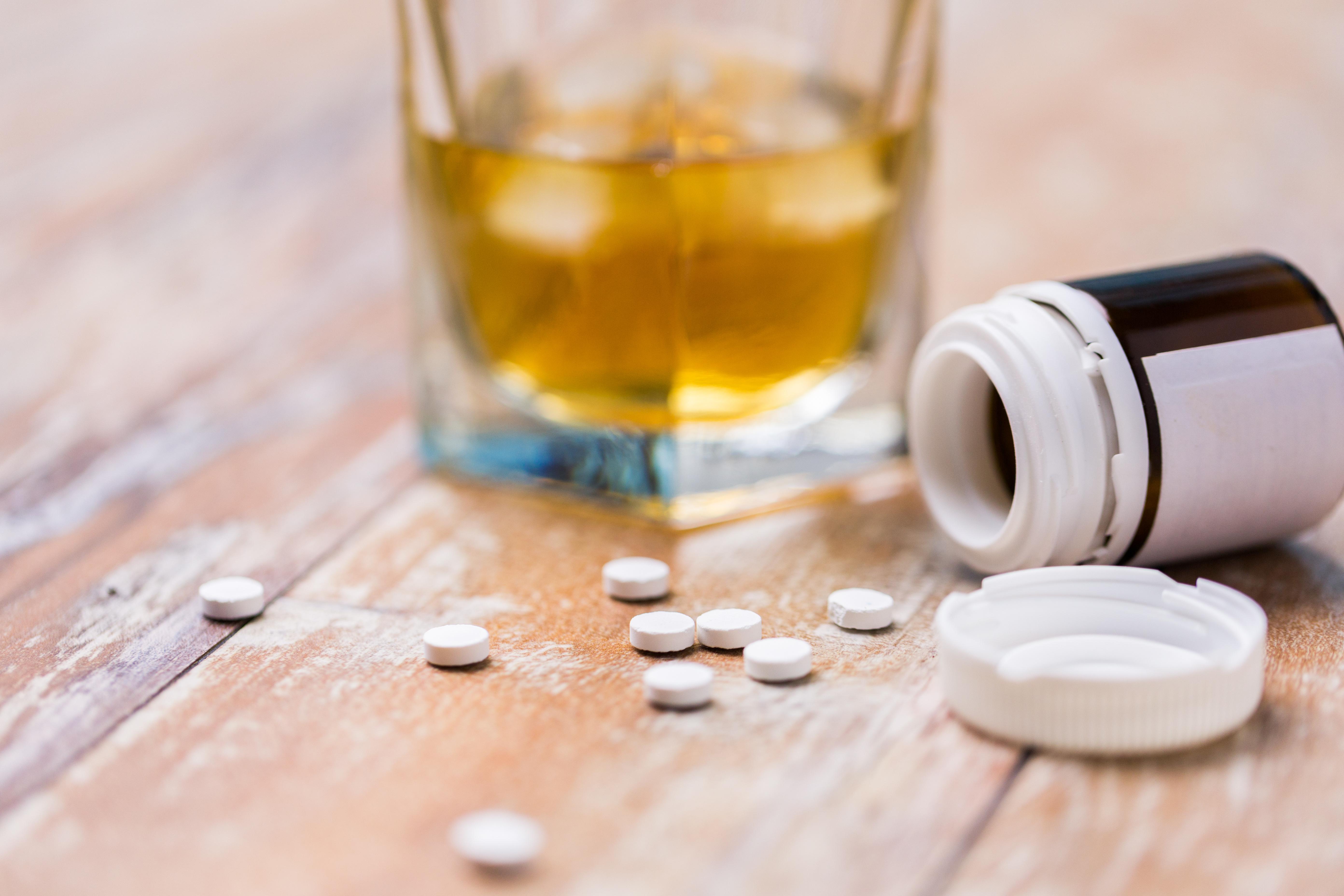 Cibler les neurones somatostatine permettrait d'alléger les symptômes dépressifs du sevrage alcoolique (Visuel AdobeStock_206375700)