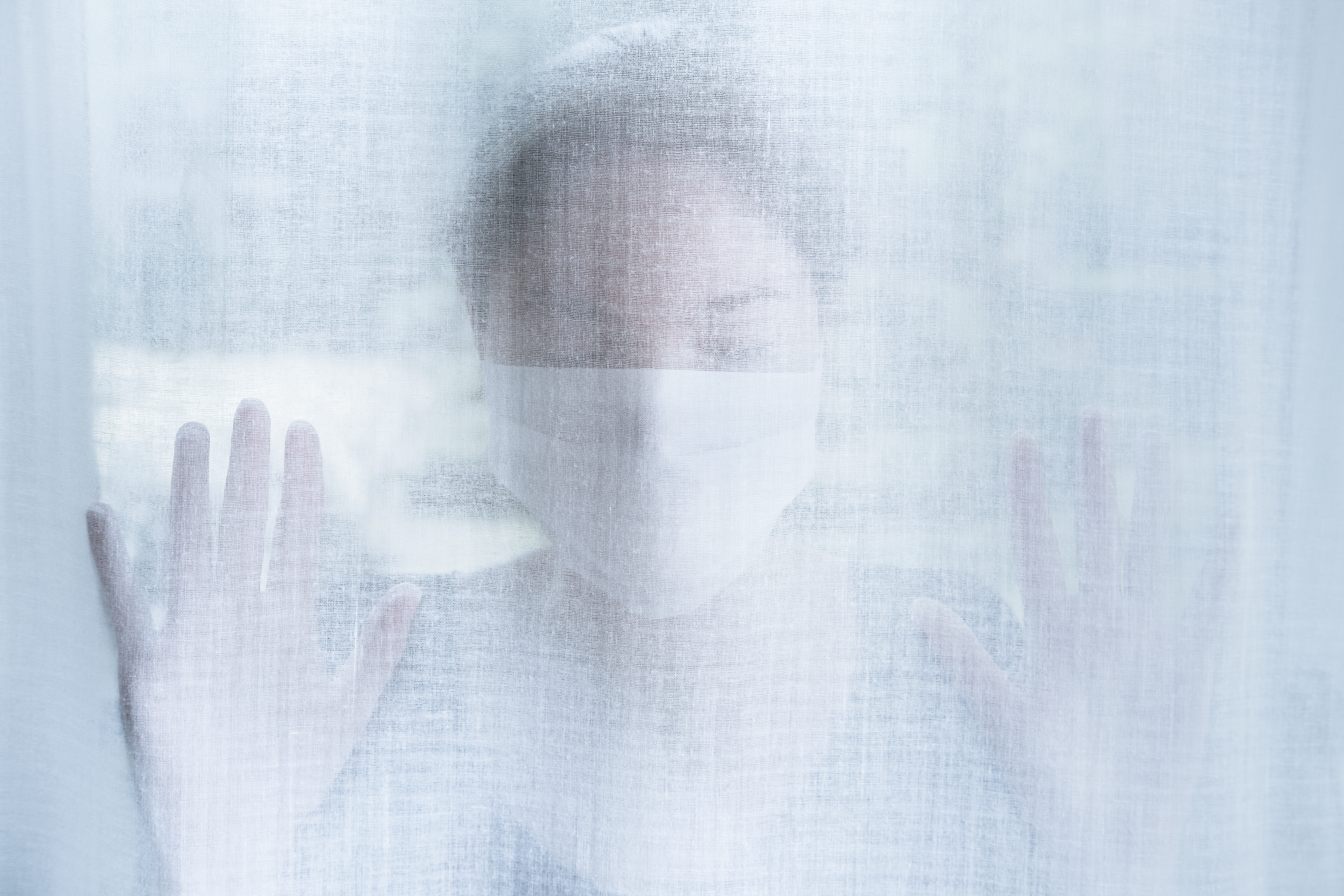 Le stress émotionnel active le système nerveux sympathique, ce qui entraîne des réponses physiques