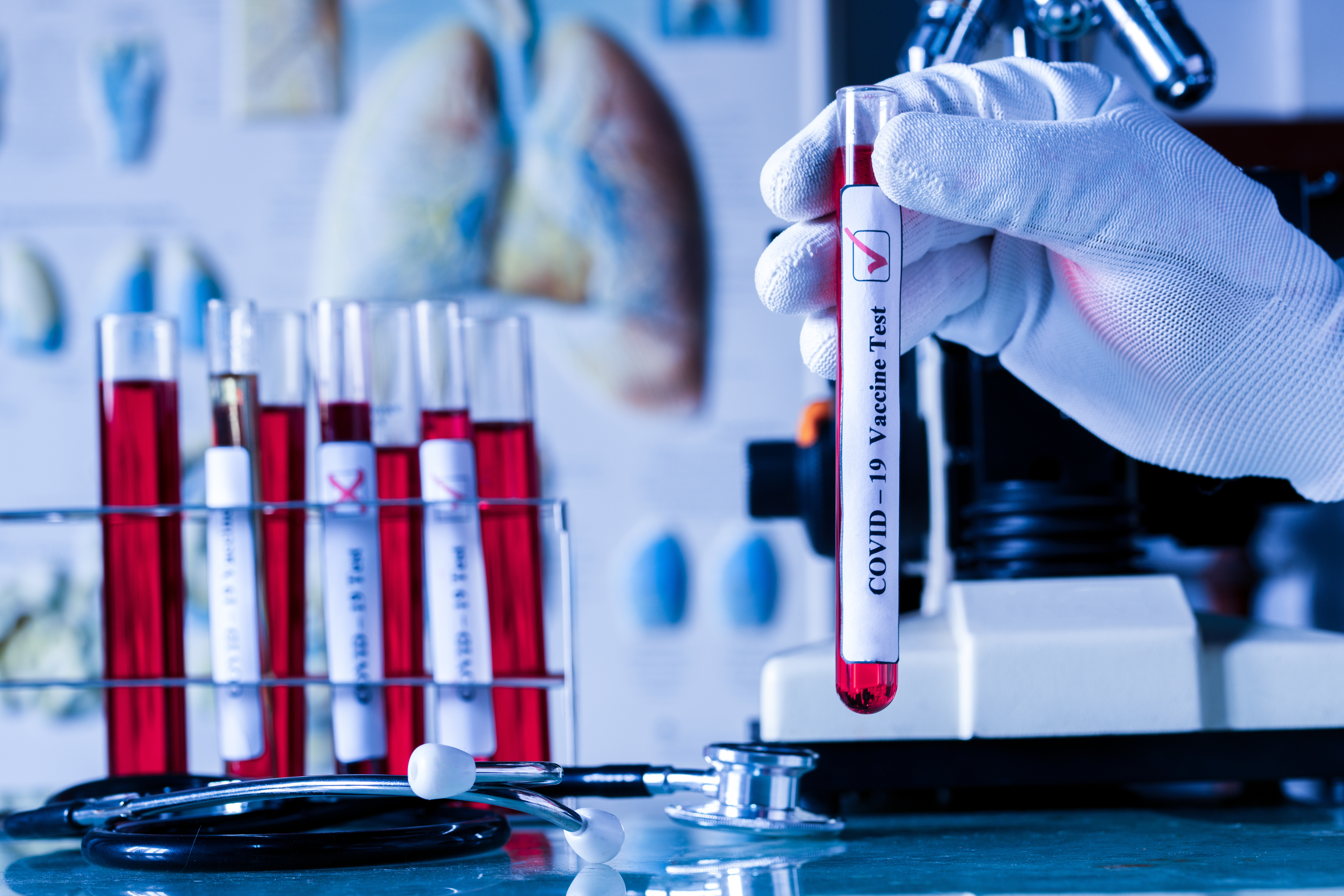 Plusieurs candidats vaccins entament leurs essais cliniques de phase 1 ou sont même en attente de résultats (AdobeStock_332945564)