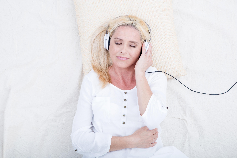 La combinaison exercice et méditation en pleine conscience peuvent permettre de considérablement réduire la fatigue chez les survivants du cancer (Visuel Adobe Stock 79734866)