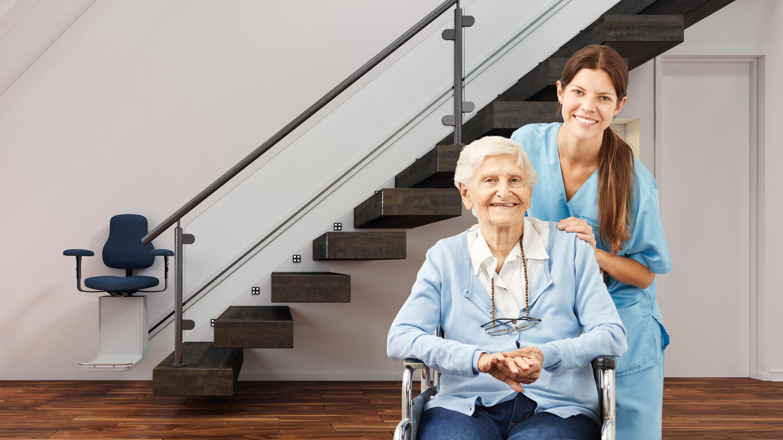 Aider la personne âgée à surmonter ces limitations de déplacement liées à l'âge ou à la maladie, par des aménagements et des aides à la mobilité, fait partie à part entière, d'une stratégie conservatrice des capacités de fonctionnement au quotidien.