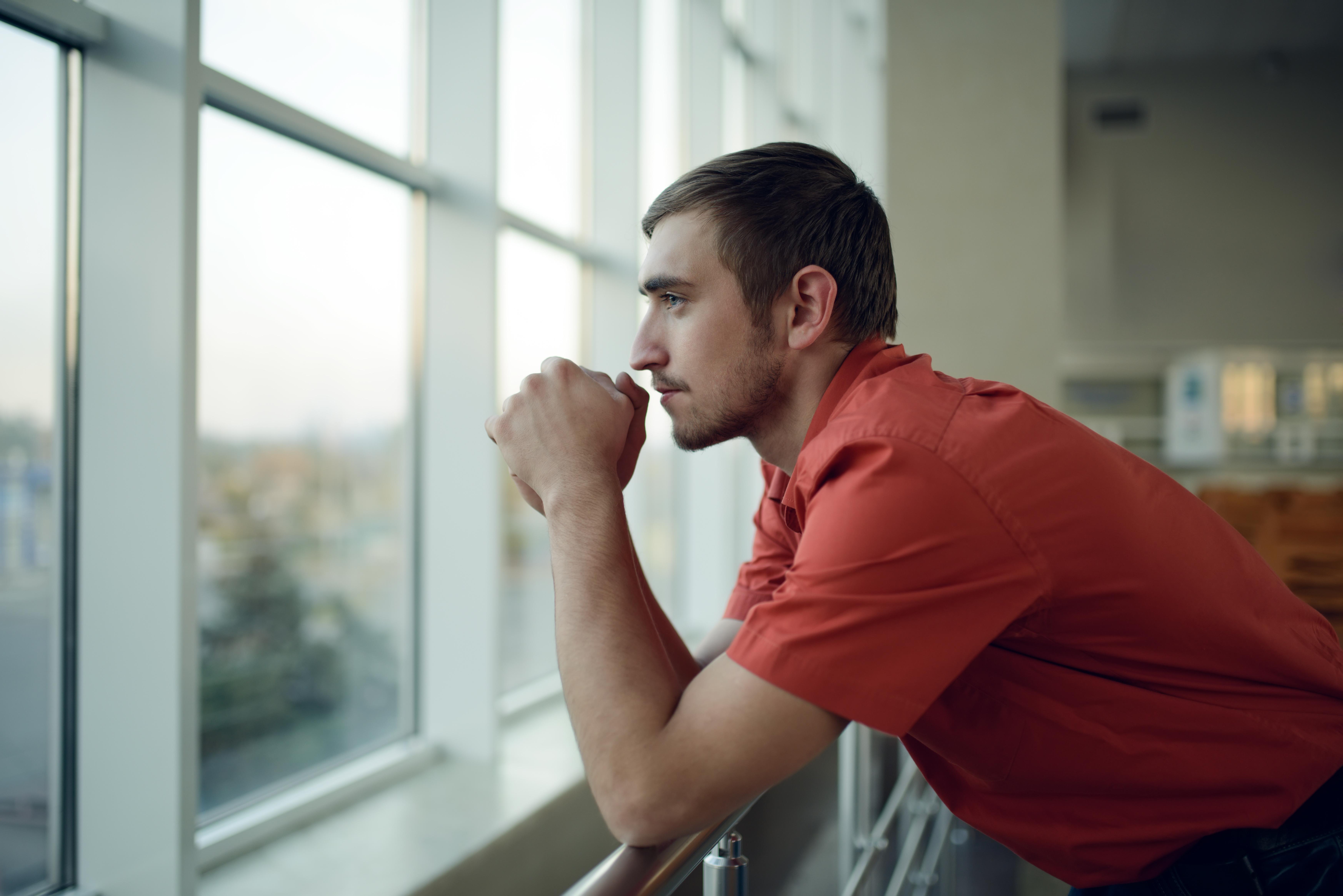 Les hommes privés d'emploi doivent faire face à une profonde crise du bien-être