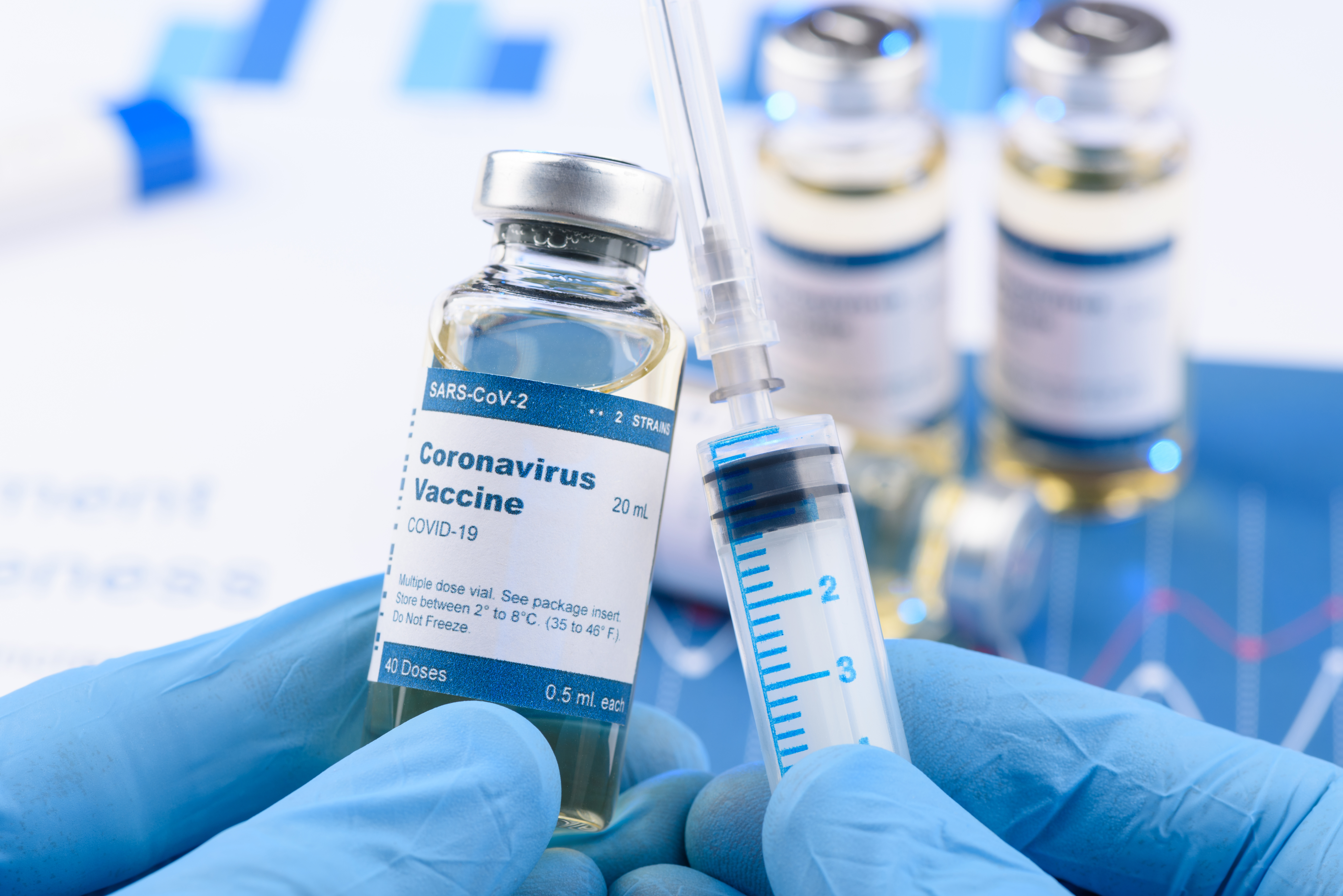 C'est le premier vaccin anti-COVID-19 à passer le cap de l'essai clinique (donc chez l'Homme) de phase 1 (Visuel AdobeStock_336028162)