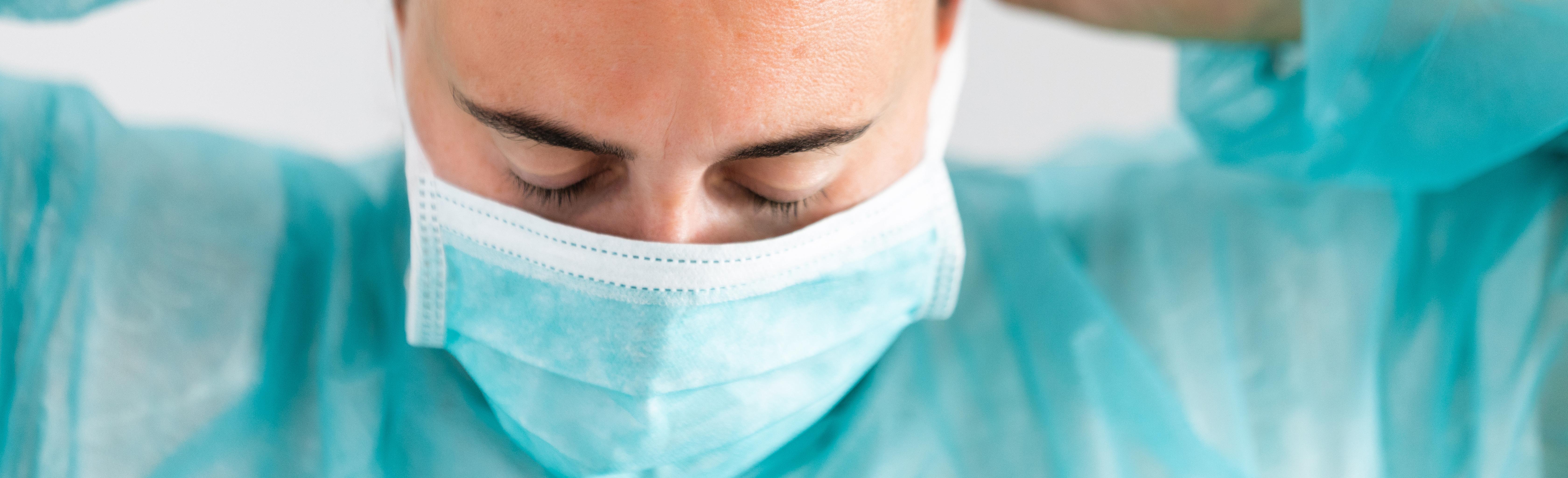 Des progrès remarquables ont été accomplis par les équipes médicales et paramédicales, en peu de temps pour lutter contre la maladie (Visuel Adobe Stock 331272813)