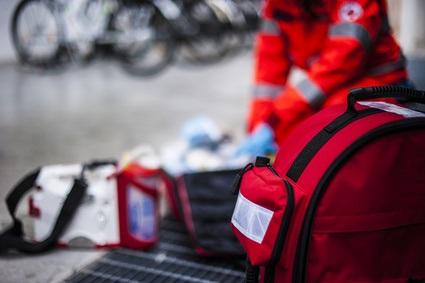 Le travail posté prolongé est associé à des interruptions de sommeil, à des risques d'erreurs thérapeutiques et de blessures qui constituent un défi quotidien pour les personnels des services médicaux d'urgence