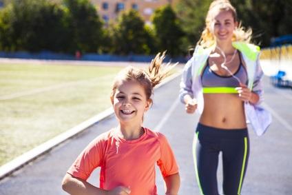 Les enfants de mères ayant respecté 5 mesures de vie saine (IMC normal, pratique de l'exercice, absence de tabagisme, pas d'excès d'alcool et alimentation équilibrée) ont un risque réduit de 75% de développer une obésité.