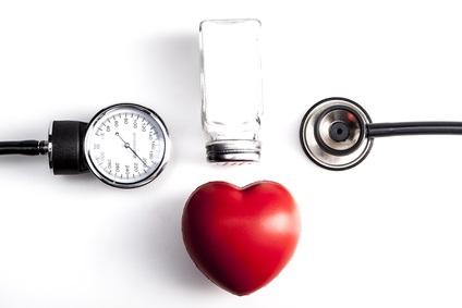 Régime DASH +  réduction des apports en sel et réduction jusqu'à 21 mm Hg de la pression artérielle systolique.