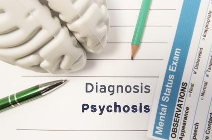 Un jeune adulte sur 7 éprouvera des symptômes psychotiques, mais seulement 1% développera un trouble psychotique chronique comme la schizophrénie