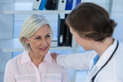 Les patients et les familles doivent donc aussi « se sentir à l'aise » de faire part, à l'équipe médicale, de leurs préoccupations concernant les soins