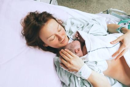 Il existe un lien fort entre la dépression post-partum et la douleur de la mère après l'accouchement.