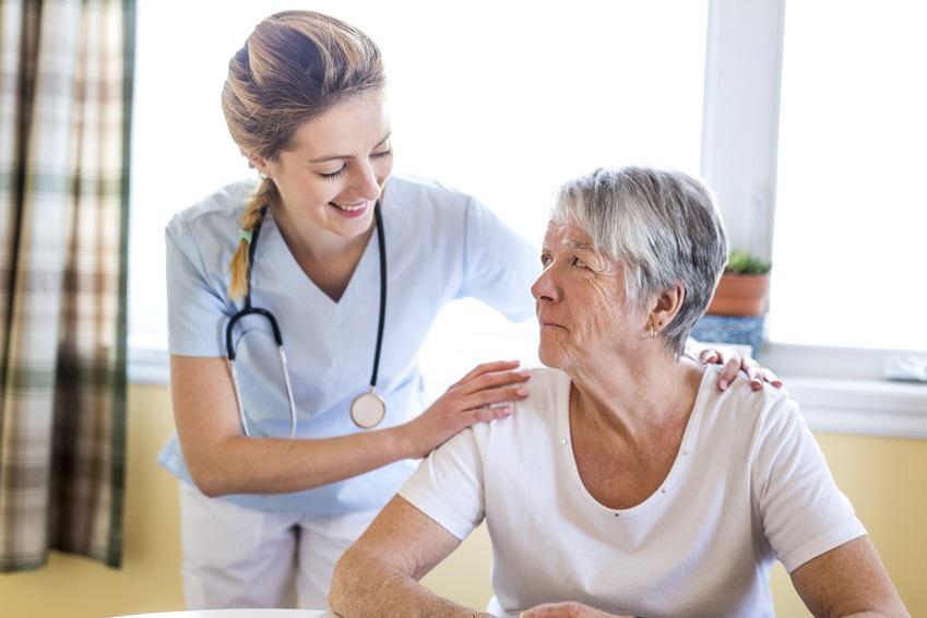 Les patients âgés de 65 ans et plus représentent jusqu'à 25% de toutes les visites aux Urgences