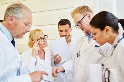 Passer d'un système de santé centralisé autour de l'hôpital universitaire à un véritable réseau de médecins, de professionnels et de centres de santé polyvalents et multidisciplinaires