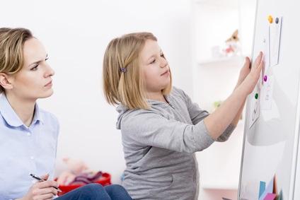 A 6 ans, la grande majorité des enfants autistes rencontre encore des difficultés au quotidien, nécessitant un soutien thérapeutique et éducatif.