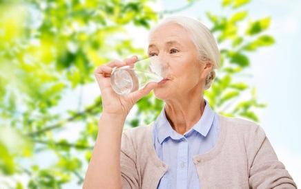 Des comportements spécifiques et l'adoption d'un certain nombre d'habitudes, au quotidien, permettent aussi de préserver la continence ou de réduire les symptômes d'une incontinence urinaire.