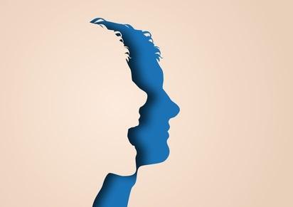 Un second à-coup plus tard dans le développement cérébral -à l'adolescence-pourrait favoriser la poursuite de l'atrophie de l'hippocampe et l'apparition de symptômes psychotiques.