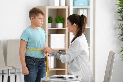 10% des enfants asthmatiques âgés de 2 à 17 ans pourraient éviter la maladie en maintenant un poids santé
