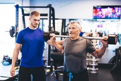 2 nouvelles études alertent sur le risque de fragilité osseuse, avec l'âge, aussi chez les hommes.