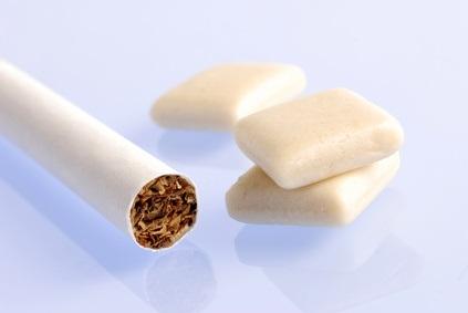 Cette analyse nous apporte de nouvelles preuves de grande qualité et la confirmation que le recours, chez les fumeurs, à une combinaison de thérapies (de type patch plus gommes ou pastilles) permet d'augmenter les chances d'arrêt du tabac.