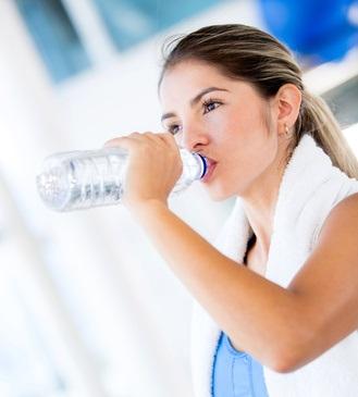 Nous avons tous en tête ces 5 habitudes de santé, une alimentation saine, la pratique régulière de l'exercice, le maintien d'un poids santé, une consommation raisonnable d'alcool et l'absence de tabagisme.