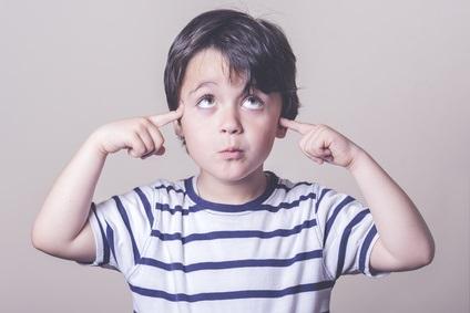 Chez environ 80% des enfants atteints, les absences épileptiques s'arrêtent généralement autour de la puberté