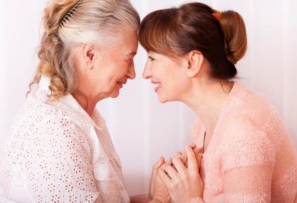 Prendre soin d'un proche est une expérience à la fois enrichissante et complexe émotionnellement.