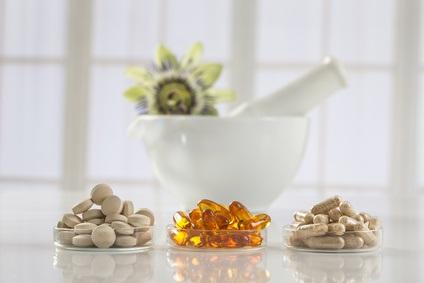Certains nutraceutiques pourraient ralentir le processus de vieillissement et retarder le développement de multiples maladies chroniques en imitant les effets de la restriction calorique (Visuel Fotolia_92929001_XS)