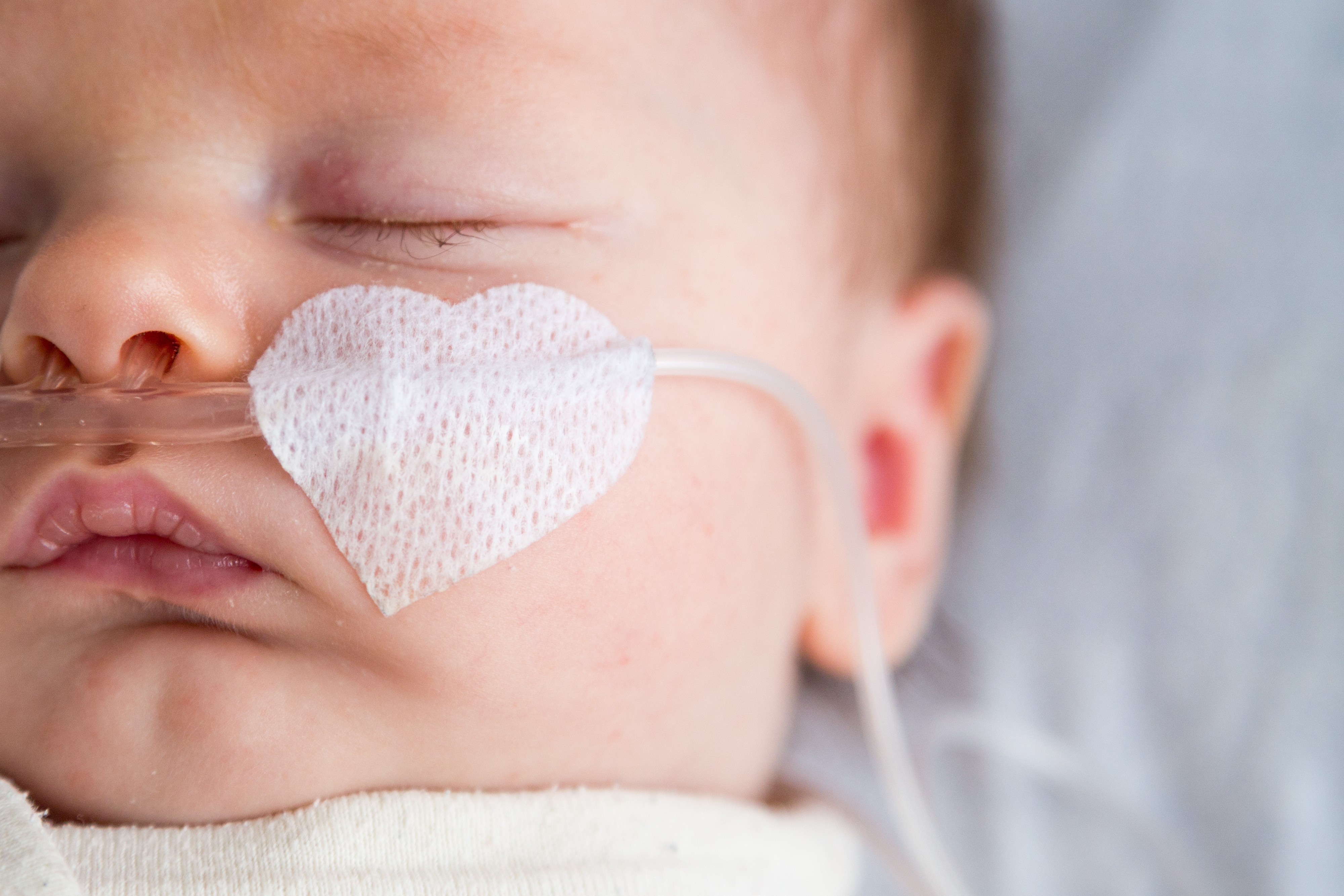 Tous les jeunes nourrissons testés positifs au COVID-19 ne doivent pas être hospitalisés (Visuel AdobeStock_191968034)