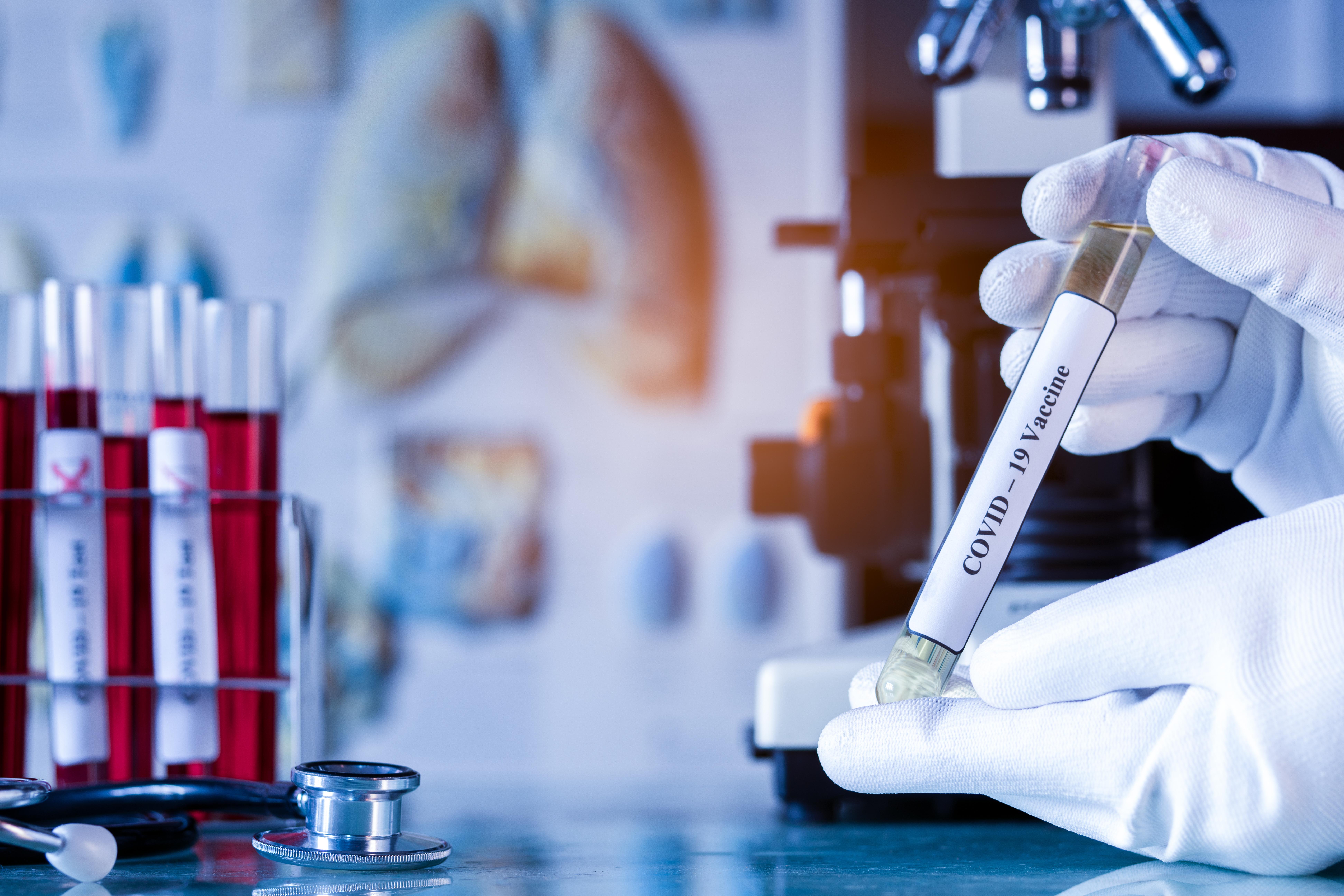 La patiente atteinte de leucémie et immunodéprimée, porteuse du coronavirus pendant au moins 105 jours et infectieuse pendant au moins 70 jours, est restée asymptomatique tout le temps (Visuel Adobe Stock 33294447).