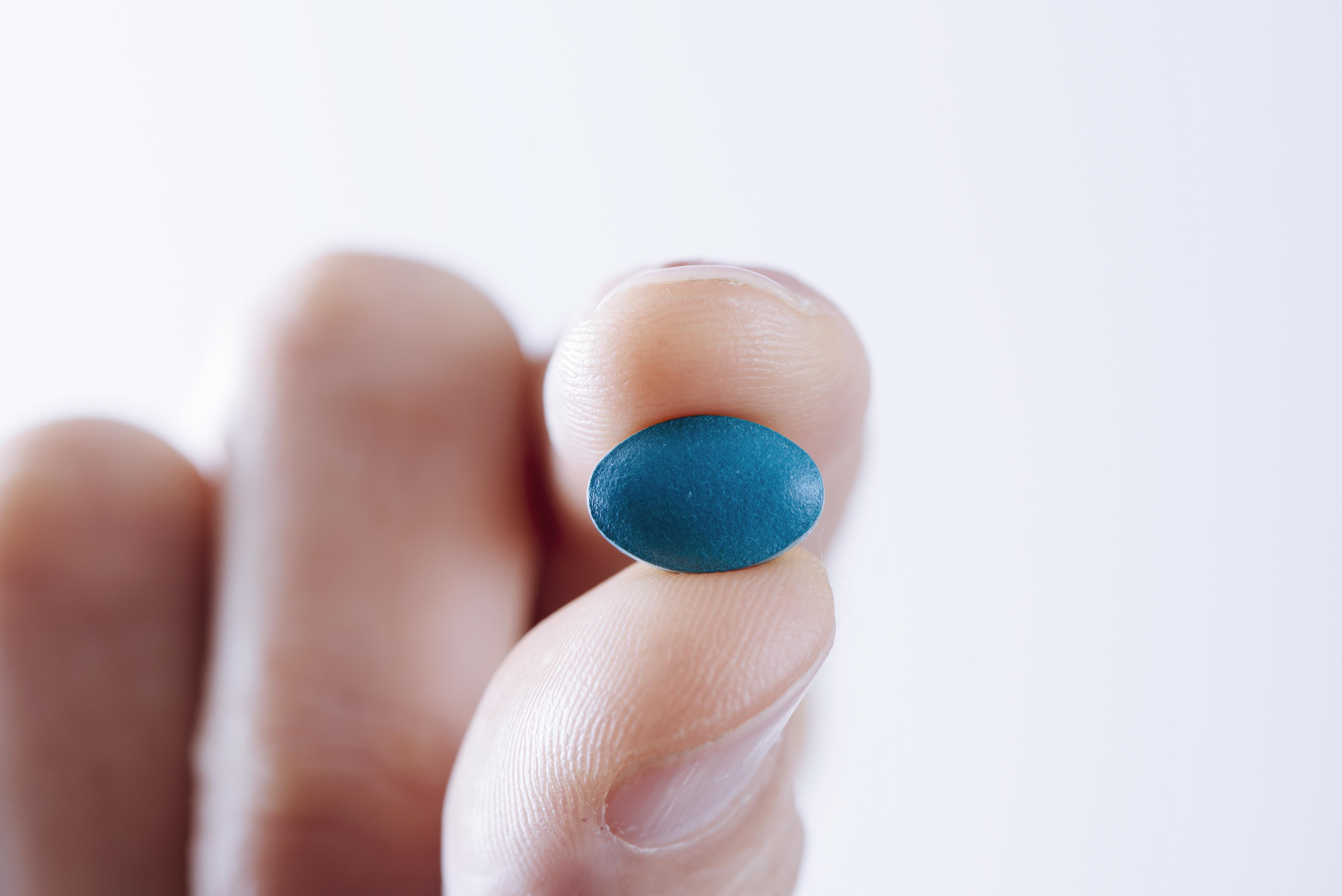 Voir bleu après la petite pilule bleue ?