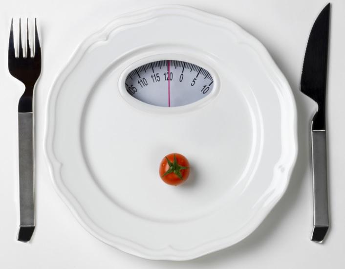 La restriction calorique est maintenant documentée comme l'une des interventions les plus puissantes pour ralentir le vieillissement et prolonger la vie.