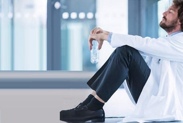 42% des médecins déclarent souffrir d'épuisement professionnel, 15% de dépression