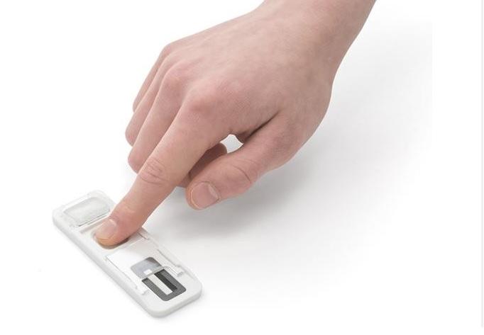 Il s'agit d'un test rapide par empreinte digitale qui permet d'identifier les usagers de drogues