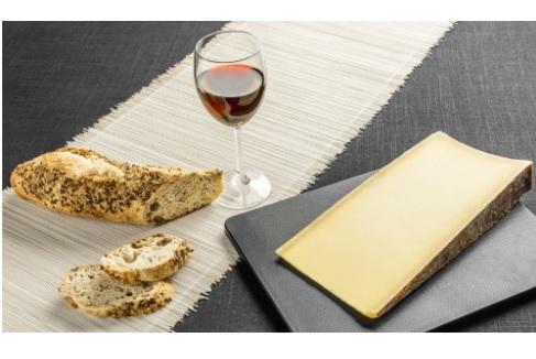 Le fromage fait partie du régime alimentaire occidental et les Européens en consomment en moyenne 17,9 kg par an, soit 49 g par jour.