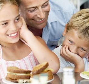 Le risque de transfert de gluten lors des activités de préparation alimentaire pourrait être moins élevé que prévu et finalement sans danger.