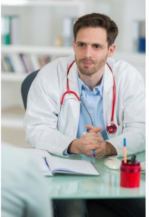 Aux Etats-Unis,  jusqu'à 80% des oncologues discutent du recours au cannabis médical avec leurs patients, mais il existe encore des lacunes importantes
