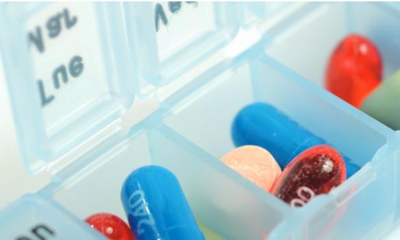 Le risque de fragilité est accru de 95% chez les personnes ayant déclaré une utilisation régulière de médicaments sur prescription pour soulager la douleur et le sommeil