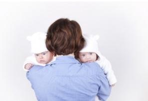 Les pères contribuent au développement de grands cerveaux, et, sauf exception, plus le cerveau est gros par rapport à la taille du corps, plus l'organisme vivant est intelligent.