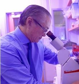 Le Dr. Joseph S. Takahashi a découvert une protéine du muscle qui favorise la récupération après la privation de sommeil