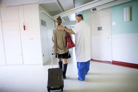 Environ 5 à 10% des patients hospitalisés sont porteurs de Staphylococcus aureus résistant à la méthicilline (SARM).